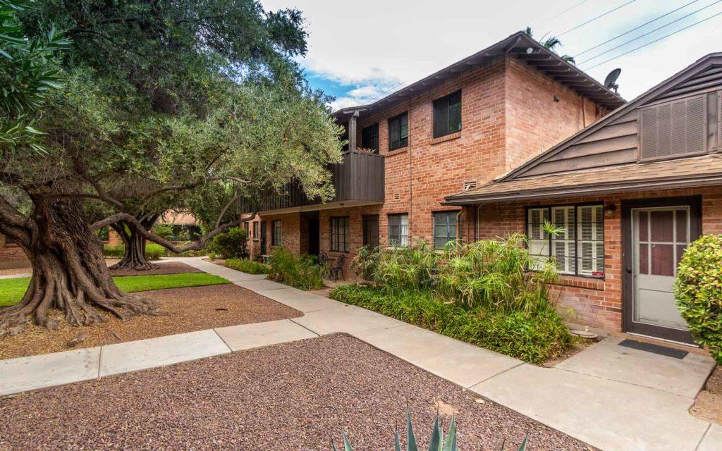 Randolph House: a midcentury condo complex in midtown Tucson, Arizona circa 1949.